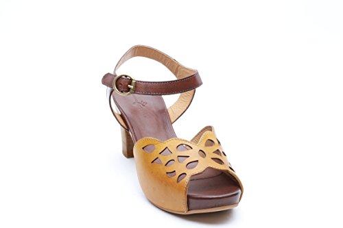 Scarpe italiane sandalo donna traforato marrone