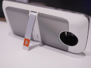 JBL SoundBoost Moto Mod Speaker moto Z, White by JBL (Image #1)