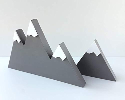 Set de dos montañas de madera gris de estilo escandinavo