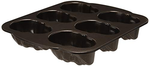Nordic Ware Haunted Skull Cakelet Pan]()