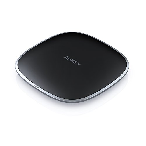 AUKEY Wireless Charger Qi-Certified, Ultra-Compact Wireless Charging Pad Compatible iPhone Xs/XR / 8 Plus, Samsung Note9 / S9 / S8+, and Other Qi-Compatible Devices, Graphite Wireless Charger