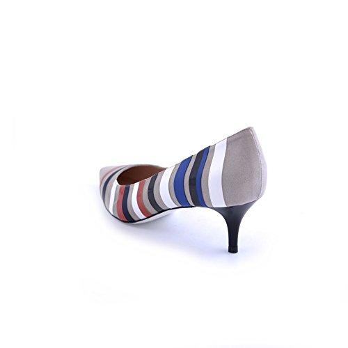 Decolte' a punta Pollini in camoscio beige con piccole fasce colorate a contrasto, bianco, azzuro ,blu, rosso. Tacchetto sottile da 6cm. SA10025