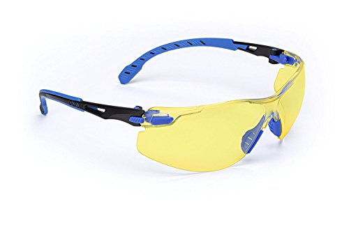 3M Solus 1000 Series Protective Eyewear with Amber Scotchgard Anti-fog Coating, One Size Fits Most, Black/Blue ()