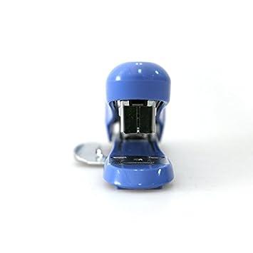 Pink Max Desktop Stapler with Remover 30-Sheet stapling Capacity