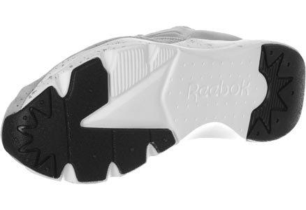 Sneaker slip on Reebok Furylite en tejido neoprene elástico y gamuza gris Gris