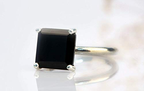 black onyx ring,delicate black ring,square black stone ring,black and silver ring,sterling silver ring