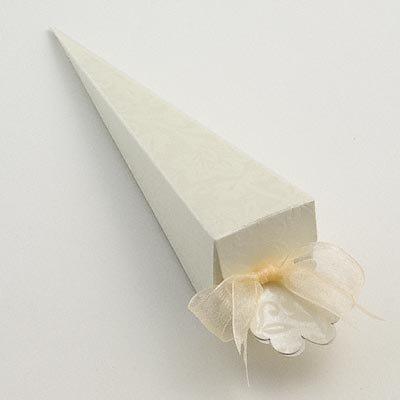 Amazoncom 50 Ivory Diamante Confetti Cone Favour Boxes By Kellys