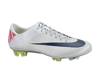 meet c9a90 aa8cb Nike Mens Soccer Cleats MECURIAL VAPOR VII FG