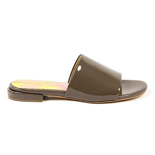 V 1969 Italia Womens Flat Sandal Taupe Izar