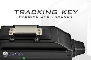LandAirSea LAS-1505 Tracking Key Vehicle GPS Tracking System ()