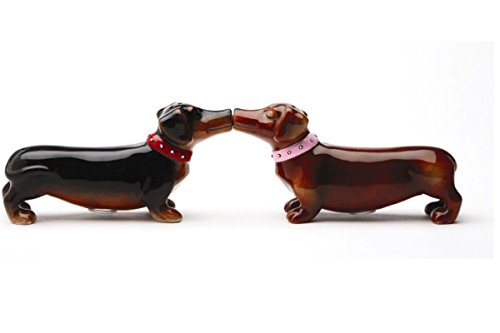 Pacific Giftware Loveable Cute Kissing Dachshunds Salt & Pepper Shakers Set (Shakers Pheasant And Pepper Salt)