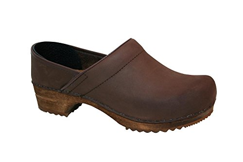 - Sanita 'Classic Closed' Clogs in Antique Brown (Art:1201005) - 43