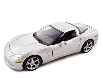 2005 Chevy Models - 2005 Chevrolet Corvette C6 1:18 Diecast Coupe Silver
