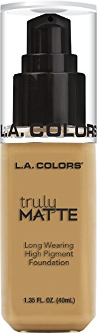 迷信フィールド水星L.A. COLORS Truly Matte Foundation - Golden Beige (並行輸入品)
