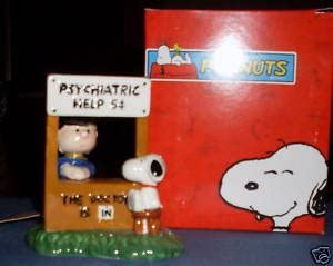 NEW Peanuts Lucy Figure and Psychiatrist Booth Ceramic Salt and Pepper Set