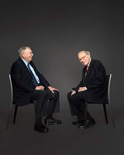 Charlie Mungers & Warren Buffett 8 x 10 * 8X10 GLOSSY Photo Picture]()