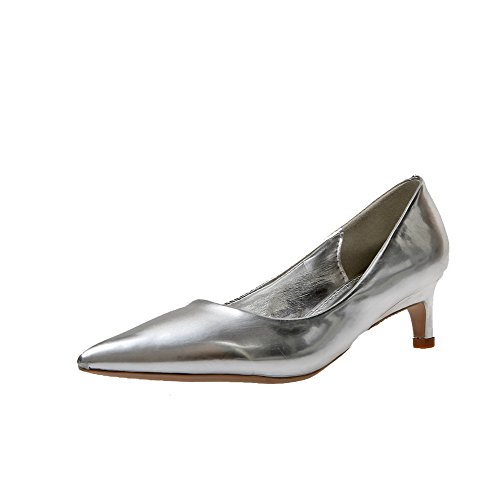 AllhqFashion Damen Spitz Zehe Ziehen auf PU Leder Rein Mittler Absatz Pumps Schuhe Silber