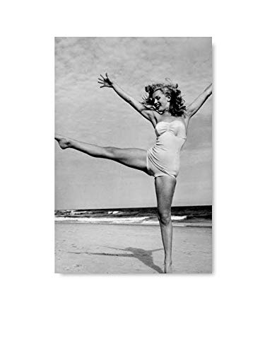 (Christmas Pajamas for Family Old Hollywood Marilyn Monroe Poster Print Art Iconic Nifty Monroe Beach Some Like It Hot Movie Star 8