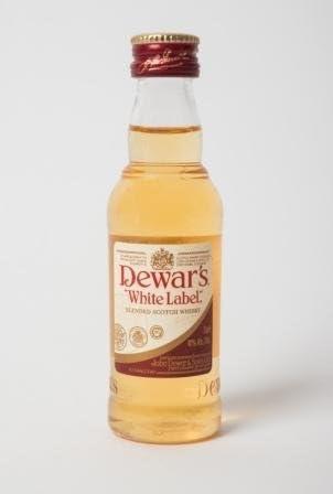 Botellita miniatura whisky Dewar's White Label 5cl
