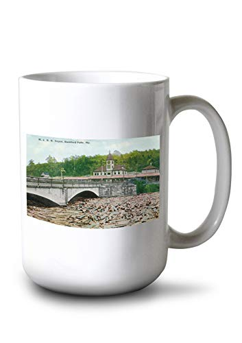 Lantern Press Rumford Falls, Maine - Maine Central Railroad Station (15oz White Ceramic Mug)
