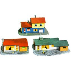 Model Power 1502 Three Suburban Houses Kit N by Model (3 Suburban Houses)