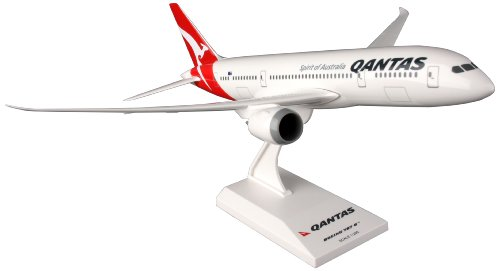 Daron Skymarks Qantas 787-8 Model Kit (1/200 Scale)