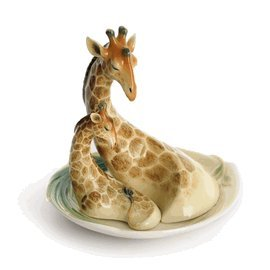 Franz Porcelain Giraffe Salt and Pepper Shakers ()