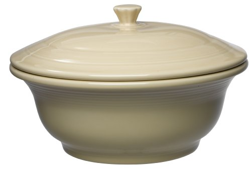 (Fiesta 495-330 Covered Casserole, 70-Ounce, Ivory)