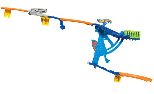 Hot Wheels Wall Tracks Swing-Arm Slide Track Set ()