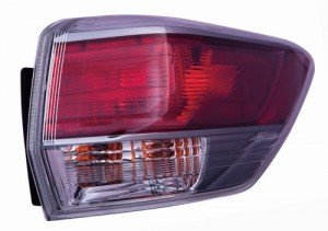 Right for 2014-2016 Toyota Highlander Rear Tail Light Lamp Assembly // Lens // Cover Passenger Go-Parts Side Outer 81550-0E100 TO2805120 Replacement 2015