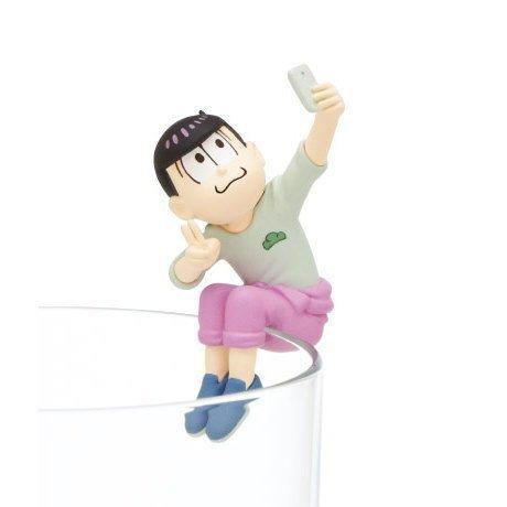 Action Figure Capsule Toys (PUTITTO SERIES PUTITTO Osomatsu-san 2 Version Mstsu-tsunagi Todo-matsu capsule toy)