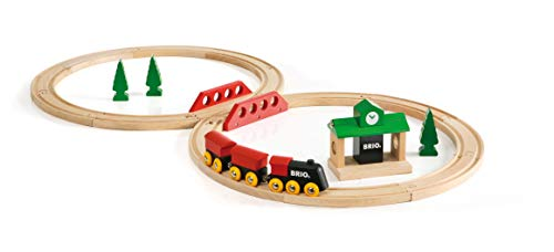 BRIO World - 33028 Classic Figure 8 Set | 22 Piece Train Toy with Accessories and Wooden Tracks for Kids Age 2 and Up