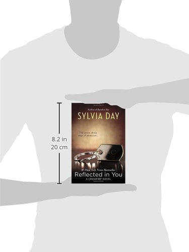 Reflected in you crossfire sylvia day 9780425263914 amazon reflected in you crossfire sylvia day 9780425263914 amazon books fandeluxe Images