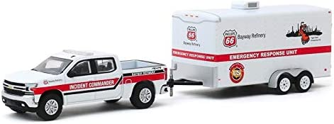 Greenlight 32190-D Hitch /& Tow Series 19-2019 Chevrolet Silverado and Phillips 66 Bayway Refinery Emergency Response Unit Trailer 1//64 Scale