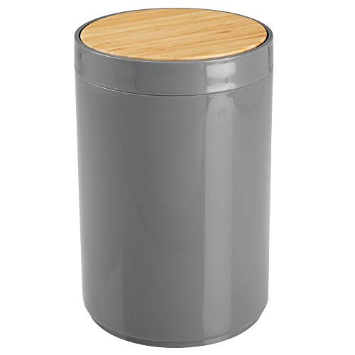 mDesign Small Round Plastic Trash Can Wastebasket, Garbage Container Bin with Bamboo Swing Top Lid - for Bathrooms, Kitchens, Home Offices - 1.3 Gallon/5 Liter - Charcoal Gray/Natural Wood Finish