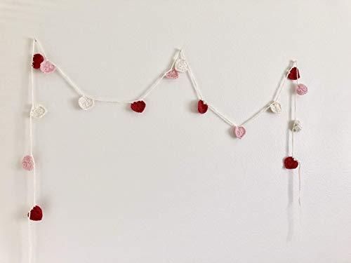 (Crochet heart garland, Valentine's Day decoration)