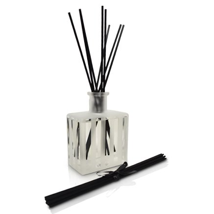 LOVSPA White Tea Reed Diffuser - Scented Sticks Set - Soothing White Tea Scent Infused with Notes of Woody Cedar and Vanilla - Air Freshener for Large Rooms - Made in The USA by LOVSPA (Image #5)