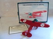 Conoco 1932 Lockheed Vega 5C Special Collector Series #8 Die Cast Coin Bank
