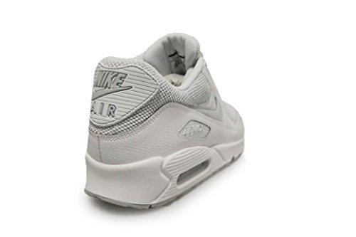 461b6e0530 Galleon - NIKE Air Max 90 Essential Men's Sneaker (11 D(M) US)