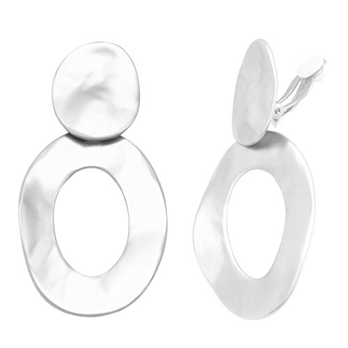 (Rosemarie Collections Women's Statement Matte Finish Hammered Metal Disc Oval Hoop Dangle Clip on Style Earrings (Silver Tone))