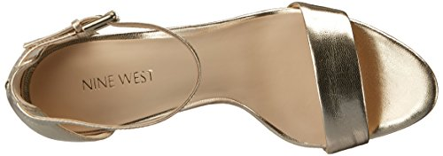 Nine West Mana metálico de tacón de la sandalia Light Gold