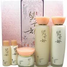 Korean-CosmeticsSeolgukhwa-Snow-Chrysanthemum-Well-Being-Herbal-Skin-Care-3pc-Set