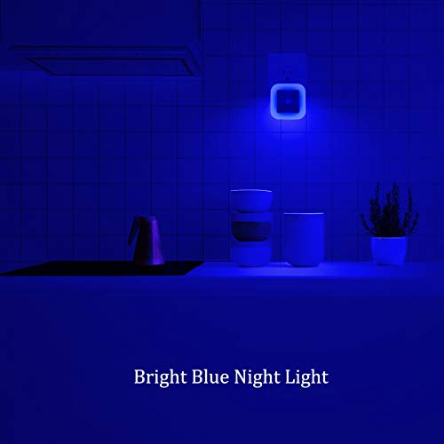 Elsent [Pack of 4] Plug in LED Bright Blue Night Light with Dusk to Dawn Sensor, Auto ON/Off - Perfect for Bathroom, Hallway and Kitchen
