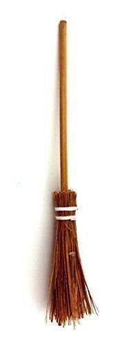 MUFFIN LODGE Dolls House Miniature 1:12 Hand Made Kitchen Garden Accessory Besom Broom Brush