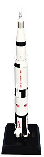 (Mastercraft Collection Saturn V with Apollo model Scale: 1/200)