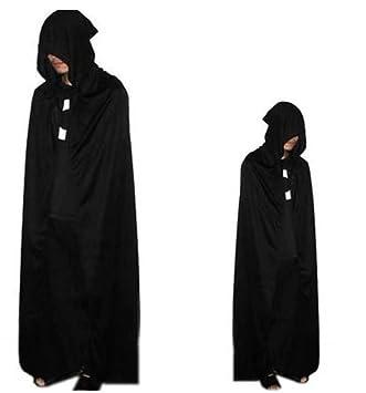 schwarzer umhang mit kapuze