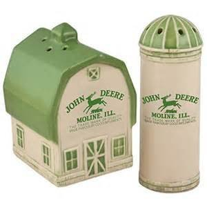 John Ceramic Deere (John Deere Logo Barn & Silo Salt/Pepper Set)