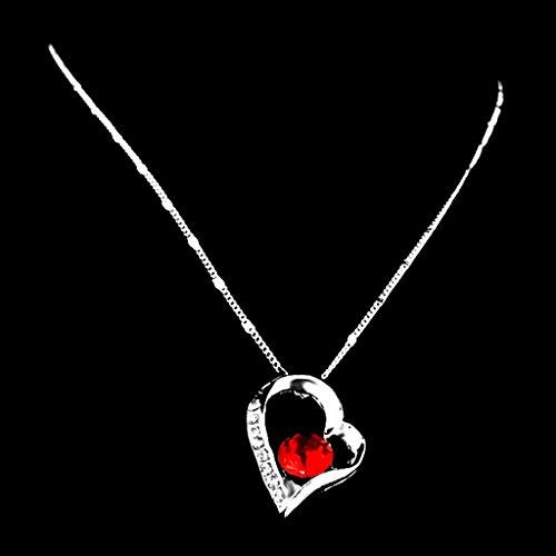 Chaîne Collier Pendentif Coeur Orné de Strass Rouge