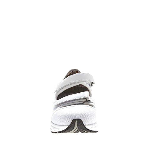 A Dessiné La Chaussure Des Femmes Maillage Sportif Baskets Blanches Sport Maille