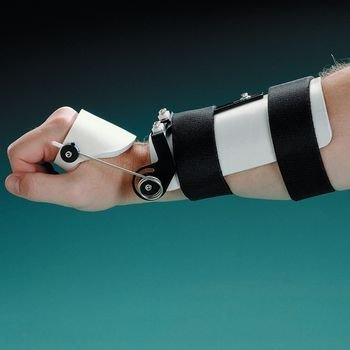 Rolyan Dynamic Wrist Splint. Size: Small 7''-8'' (18-20cm) by Rolyn Prest
